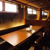広々としたテーブル席を囲んで気の知れた仲間たちとの素敵なディナーを楽しみましょう♪