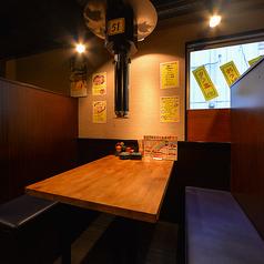 ◆ゆったりとお食事したい時はこちら…◆落ち着いた雰囲気の半個室です。上野の喧騒を忘れさせるような暖かな光で安らぎを演出◎プライベートな宴会・誕生日会・女子会などにオススメです♪