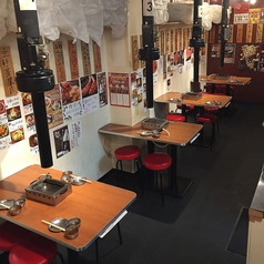 お席のご予約は承っております!様々な飲み会シーンやお食事にご対応致します♪店内に広がるお肉の香りが食欲を増します!いつもとは違った空間でのお食事をお愉しみくださいませ!
