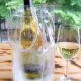 世界のワイン、北海道ワインは専用のワインボトルクーラーにてお持ちします