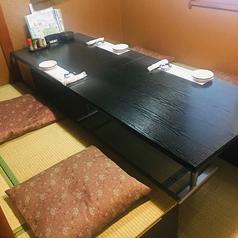 【2階】お座敷席4名。貸切でのご利用も可能です。