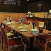 雰囲気抜群!人数に合わせてセッティング可能なテーブル席で女子会・合コンをお愉しみください。