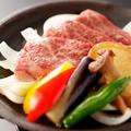 料理メニュー写真能登牛の陶板焼き