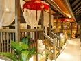 リゾート気分を味わえるバリ風の席は、ランチもディナーにもオススメ!