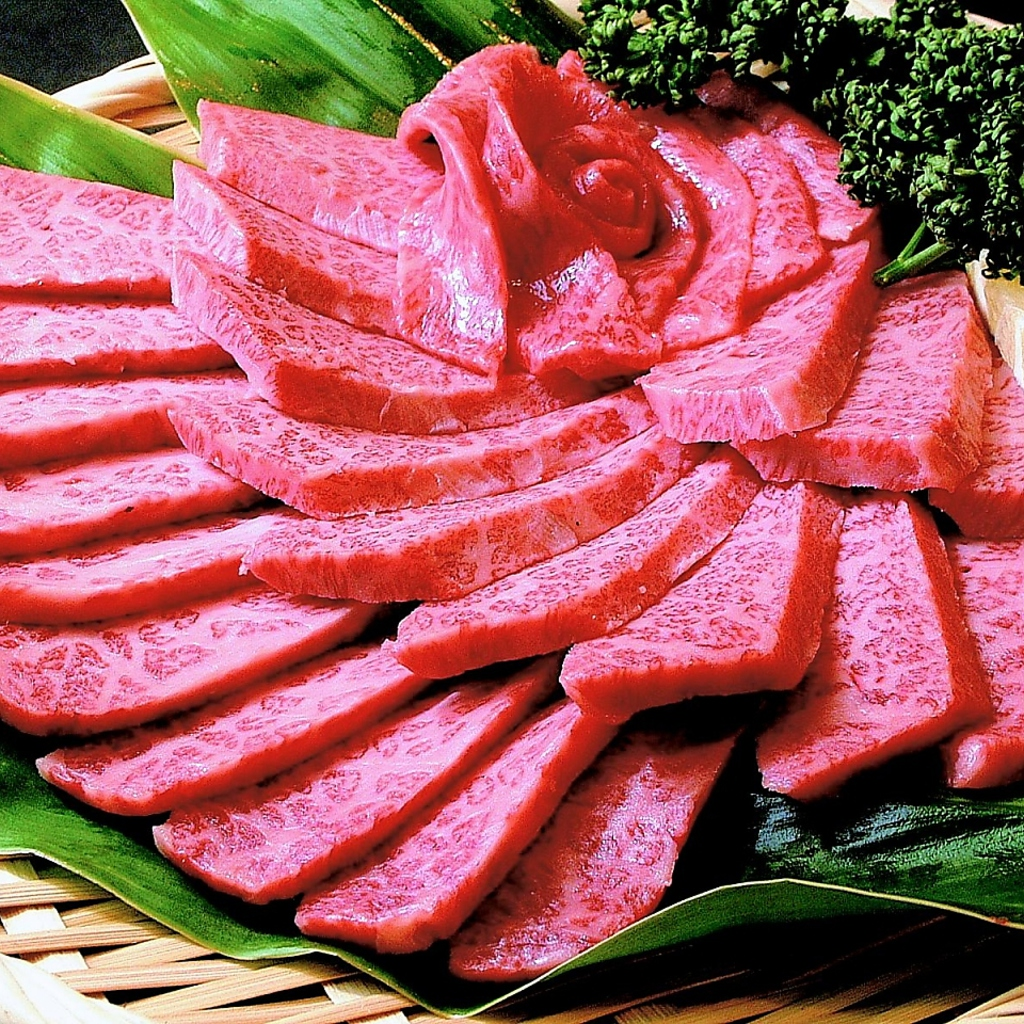 お肉は牛も豚も鶏も全て厳選国産!!醤油・塩・味噌3種のタレで召し上がれ!!