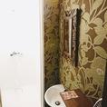 【終電後の宿泊にも◎】清潔感のあるシャワールーム完備!!100円にてご利用可能です◎男性30分・女性45分。アメニティセット(200円)・バスタオル(300円)のご用意もございますので手ぶらでも安心♪