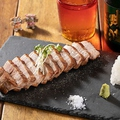 料理メニュー写真キビまる豚のレアステーキ(150g)