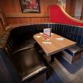 お洒落で居心地の良いアメリカンな店内には、ソファー席もご用意しております♪ゆったり出来るソファー席はお子様連れでのご利用にも最適なお席です!キッズメニューなどもご用意しておりますので、ぜひご家族でのお食事の際はTGIフライデーズへ♪