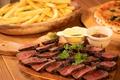 料理メニュー写真牛もも肉のタリアータ