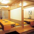 4~6名様までご利用可能です。 個室とは違い、広い空間のお席となっております。