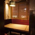6~10名様でご利用いただけます。接待や会食に人気のお席です。良質な個室でご堪能ください。ご予約はお早めに。(飯田橋 和食 居酒屋 個室 海鮮 かに 飲み放題 宴会)