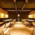 テーブル席は4名様ずつの半個室になっております。人数に合わせて、8名様、12名様、24名様の半個室席としてもご利用いただけます。