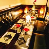 【席タイプ】新宿店では【個室・半個室】【テーブル・掘り炬燵】と大小様々な席タイプを御用◎2名様~ゆったりしたソファ席をご案内★