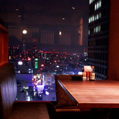 ◆三間堂 新宿NSビル店 個室テーブル席◆ デートや誕生日・記念日のお祝い・ご友人とのお食事などにおすすめのカップルシートです。新宿NSビル29Fからの夜景を美味しいお料理やお酒と一緒にごゆっくりとお楽しみ下さい。詳しくは居酒屋 三間堂 新宿NSビル店まで。