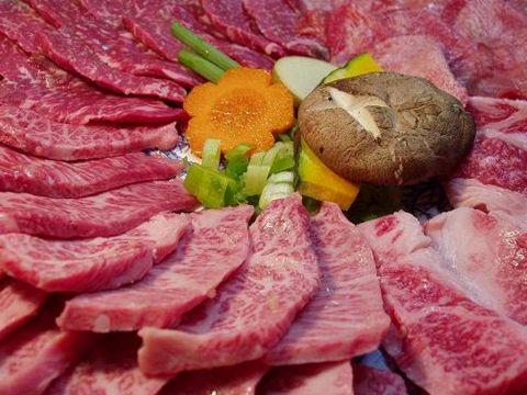 懐かしい雰囲気の中で最高の牛肉とお酒をゆったりと。2名様~最大60名様ご宴会まで