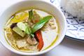料理メニュー写真鶏肉と茄子のグリーンカレー「ゲーン・キョウ・ワーン・ガイ」