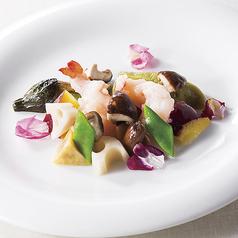 大海老と季節野菜入り塩味炒め 大4尾