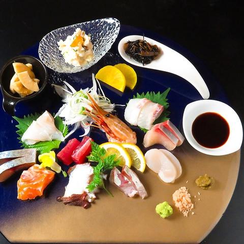 地産地消にこだわった、姫路名物穴子や新鮮な食材を贅沢にたっぷりとご堪能ください。