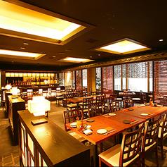 最大80名の大人数で宴会利用ができるテーブルスペースです。忘年会、新年会、同窓会、歓送迎会などにオススメです。