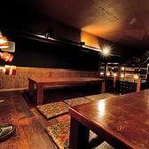 メインフロアから秘密の階段をあがると広がるお座敷席。インテリアに目が無い女性の皆様にも大好評☆※半個室となっております。