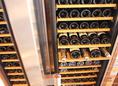 大型ワインセラー2台 その日の気分に合わせた1杯を提供します。