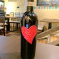 ~ワインのご紹介2~【キャンティクラシコ ラブコレクション】程よい酸味と柔らかな果実風味のバランスが取れた味わい。赤いハートの中に『I Love You』『Ti Amo』など各国の愛の言葉が刻まれています。(税抜5000円)