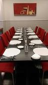 レストランご会食のレイアウトです。ご着席にて40~50名様までのご利用が可能です。