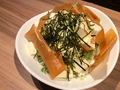 料理メニュー写真豆腐サラダ(野菜サラダ大+豆腐)