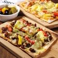 料理メニュー写真ピザ マルガリータ/サラミ/アンチョビ