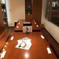 【テーブル個室10名×1】テーブルの個室もございます。個室内は4名席と6名席に分けることも可能です。席追加で最大13名まで対応できます。