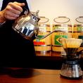 お店に入った瞬間に珈琲の良い香りが広がります。