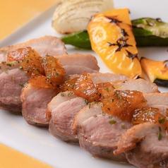 料理メニュー写真合鴨胸肉のロースト 季節の野菜のグリル