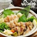 料理メニュー写真国産朝引き鶏ムネタタキ造り