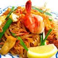 料理メニュー写真タイ焼きビーフン「パッタイ」