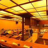 解放感あふれるオープンキッチンのカウンターはこだわりの寛ぎ空間