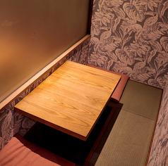 デートや2人飲みにぴったりの2名様個室を4つご用意しております。