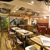 【全72席】木造のおしゃれな店内/大人気のテラス席