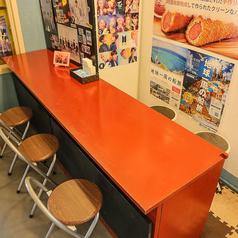 店内でもお召し上がりいただけるテーブルをご用意しております!