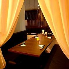 カーテンで仕切れる個室空間★