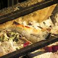 炭火の香ばしさが素材を活かす。かごんま鶏の灼熱炭焼き・鶏レバーのレア炭火焼き等…様々な素材で。