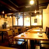 各種宴会に最適なテーブル席。池袋 、西口の和風バルでご宴会、接待 、飲み放題 、和食を。