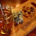料理メニュー写真蜂蜜とゴルゴンゾーラとくるみ