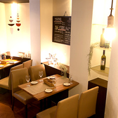 各種宴会に最適なテーブル席。池袋 、西口のバルでご宴会、女子会、飲み放題 、合コンを。