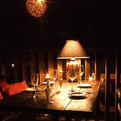 隠れ家的なソファ席ー半個室は大人気!デートや女子会に…♪