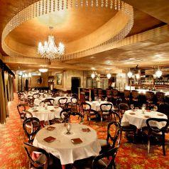 【3Fパーティー会場】…3Fのワンフロア貸切で、着席180名、立食300名までご利用いただけます。歓送迎会や同窓会、結婚式二次会などの各種ご宴会にオススメです♪