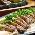 料理メニュー写真地鶏のタタキ