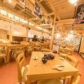 九州屋台風の粋なテーブル席でお食事をお楽しみ頂けます♪大人数での宴会に最適!ゆったりスペースで飲み会をお楽しみ頂けます!