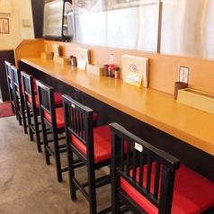カウンター席もご用意しておりますので、1人様~お気軽にお越し頂けます!大阪の風情溢れる、新世界の町で自慢の串カツをたっぷりお楽しみ下さい!新世界でちょい飲みや少人数で飲み会するなら「からさき別館」にお任せください♪