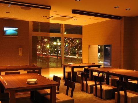 JR富山駅そばのオシャレな雰囲気の居酒屋です。海鮮にこだわっています。