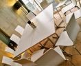 テーブル席でコースも楽しめます♪ご利用の人数によりレイアウトは随時変更可能です。